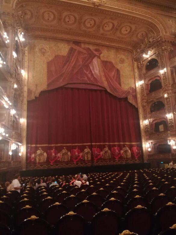Escenario del Teatro Colón.